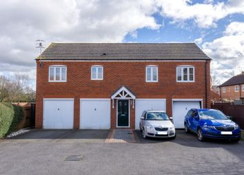 Thumbnail 2 bed flat to rent in Wood End, Evesham