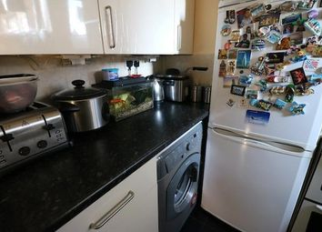 Thumbnail 2 bed flat to rent in Shoreditch, London