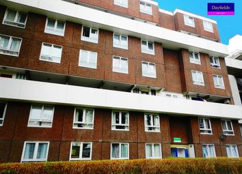 3 bed flat for sale in Hathersage Court, Newington Green N1