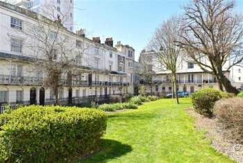 Thumbnail Studio to rent in Russell Square, Brighton