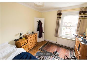 Thumbnail Room to rent in Crombey Street, Swindon