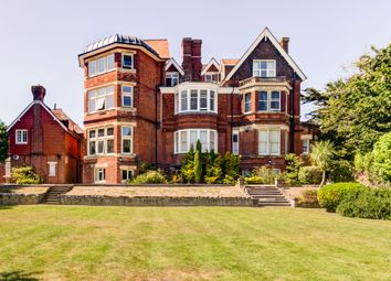 Buxton Road, Eastbourne BN20. 3 bed flat