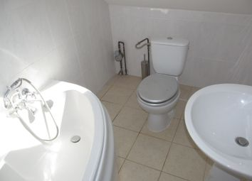 Thumbnail 4 bed flat to rent in Northumberland Avenue, Reading