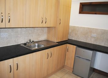Thumbnail 2 bed flat to rent in Hackney Road, Shoreditch/Hoxton