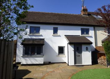 Thumbnail 2 bed cottage to rent in Rose Gardens, Wokingham