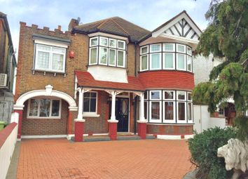 Thumbnail 5 bed detached house to rent in Gunnersbury Avenue, Ealing, London