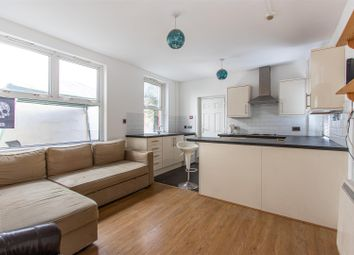 2 bed maisonette to rent in Howard Gardens, Roath, Cardiff CF24