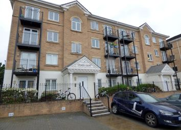 2 bed flat to rent in Stokes Court, The Dell, Southampton SO15
