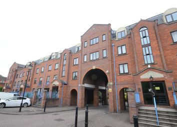 Thumbnail 1 bed flat to rent in Sidmouth Street, Reading
