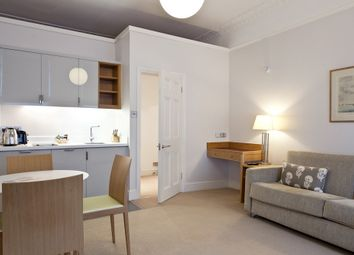 Thumbnail 1 bed flat to rent in Doughty Street, Bloomsbury, London