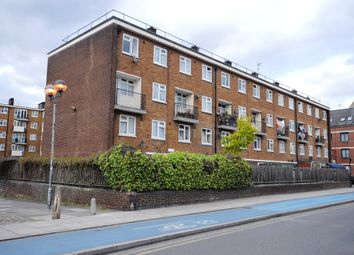 Thumbnail 4 bed flat to rent in Cable Street, London