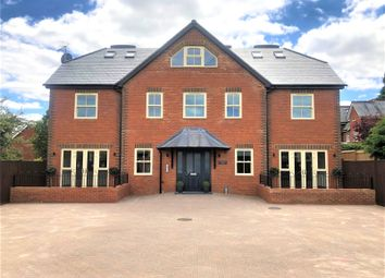 2 bed flat to rent in Hurlingham House, Quebec Road, Henley-On-Thames, Oxfordshire RG9