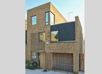 Thumbnail 4 bed town house for sale in Royal Way, Trumpington, Cambridge