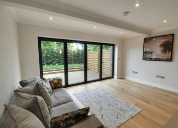 Thumbnail 1 bedroom flat to rent in High Street, Brentford