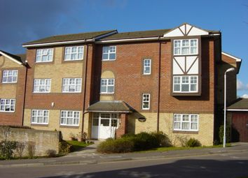 Thumbnail 1 bed flat to rent in Ermine Place, Kings Chase, Luton