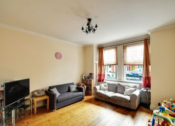 Thumbnail 1 bed flat to rent in Oxford Gardens, Chiswick