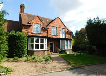 Thumbnail 1 bed flat to rent in Manor Drive, Berrylands, Surbiton