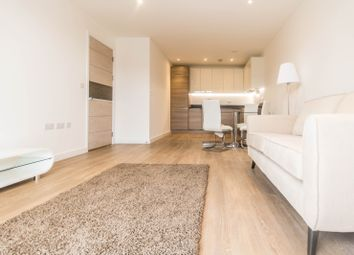 Thumbnail 2 bed flat to rent in Farrance Street, London