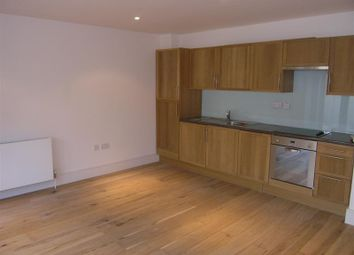 2 bed maisonette to rent in Dairy Mews, London N2
