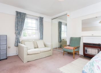 Thumbnail Room to rent in St. Anns Villas, London