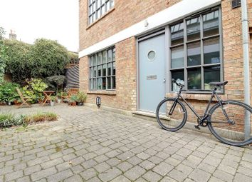 Thumbnail Studio to rent in Ovanna Mews, Buckingham Road, De Beauvoir