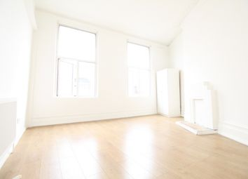 Thumbnail Room to rent in Room 2, Crossway, Dalston