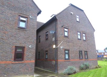 Thumbnail 1 bed flat to rent in Brock Gardens, Reading