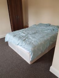 Thumbnail 4 bed flat to rent in Shooters Hill Road, Shooters Hill/Blackheath