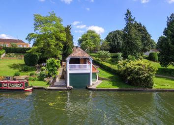 Thumbnail Land for sale in Goring, Reading