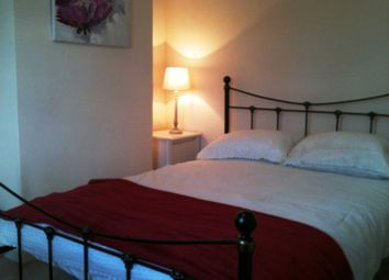 Thumbnail Room to rent in Room 2, 9 Durham Close, Guildford