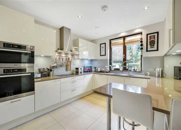 Thumbnail 2 bed flat for sale in Aylmer Road, Hampstead Garden Suburb