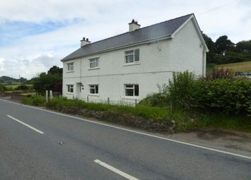 Thumbnail 4 bed property to rent in Llanwnnen Road, Lampeter, Ceredigion