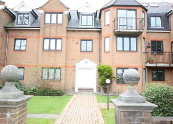 Thumbnail 2 bed flat to rent in 46 The Ridgeway, Enfield, Middlesex