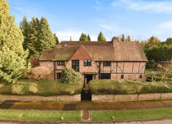 Thumbnail 6 bed detached house to rent in Wood Lane, Iver Heath, Iver