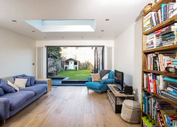 Thumbnail 2 bed flat for sale in Lothair Road South, Harringay