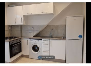 1 bed flat to rent in Holders Hill Road, London NW7
