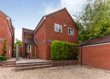 Silver Street, Thame OX9. 4 bed detached house