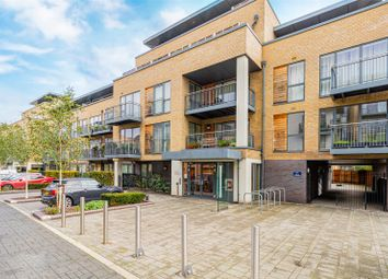 Newton Court, Kingsley Walk, Cambridge CB5. 3 bed flat for sale