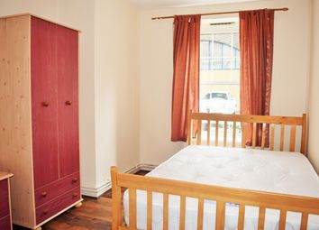 Thumbnail Room to rent in Hollybush House (Room 1), Hollybush Gardens, Bethnal Green