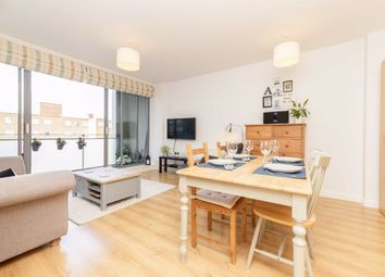 Barking Road, London E16. 1 bed flat