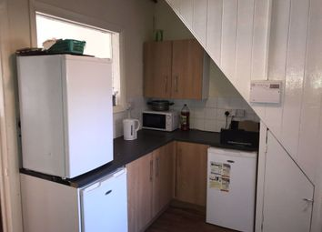 2 bed property to rent in Edgecumbe Street, Hull HU5