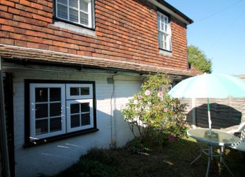 Thumbnail 1 bed flat to rent in Bassetts Hill, Dormansland, Lingfield