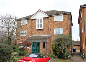Thumbnail 1 bed flat for sale in Corrie Road, Cambridge
