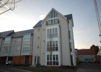 2 bed flat to rent in Lambourne Chase, Great Baddow, Chelmsford CM2