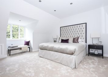 Thumbnail 4 bed town house for sale in Grosvenor Mews, Grosvenor Road, Epsom