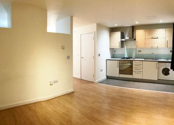 Thumbnail Studio to rent in Main Avenue, Enfield