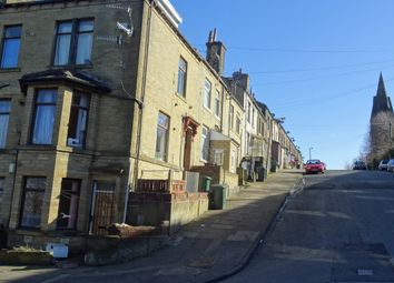 Thumbnail 1 bed flat to rent in Westcroft Road, Bradford