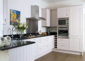Thumbnail 5 bed property to rent in Gainsborough Road, Chiswick