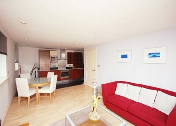 Thumbnail 1 bed flat to rent in Newton Place, Nova Building, Canary Wharf, Isle Of Dogs
