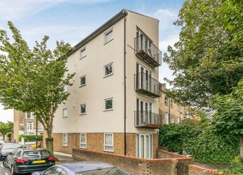 Thumbnail 1 bed flat to rent in Davenant Road, Archway, London